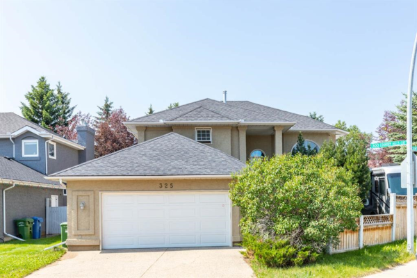 325 Country Hills Court NW, Calgary