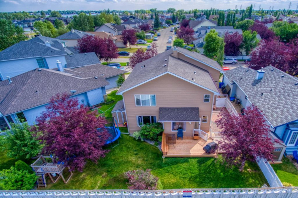 143 Lakeview Cove, Chestermere