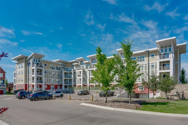 402 Marquis Lane SE, Calgary