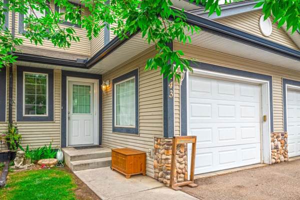 143 Stonemere Place, Chestermere