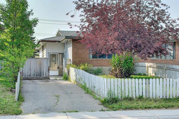 3203 Doverville Crescent SE, Calgary
