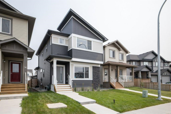 100 Reunion Loop NW, Airdrie