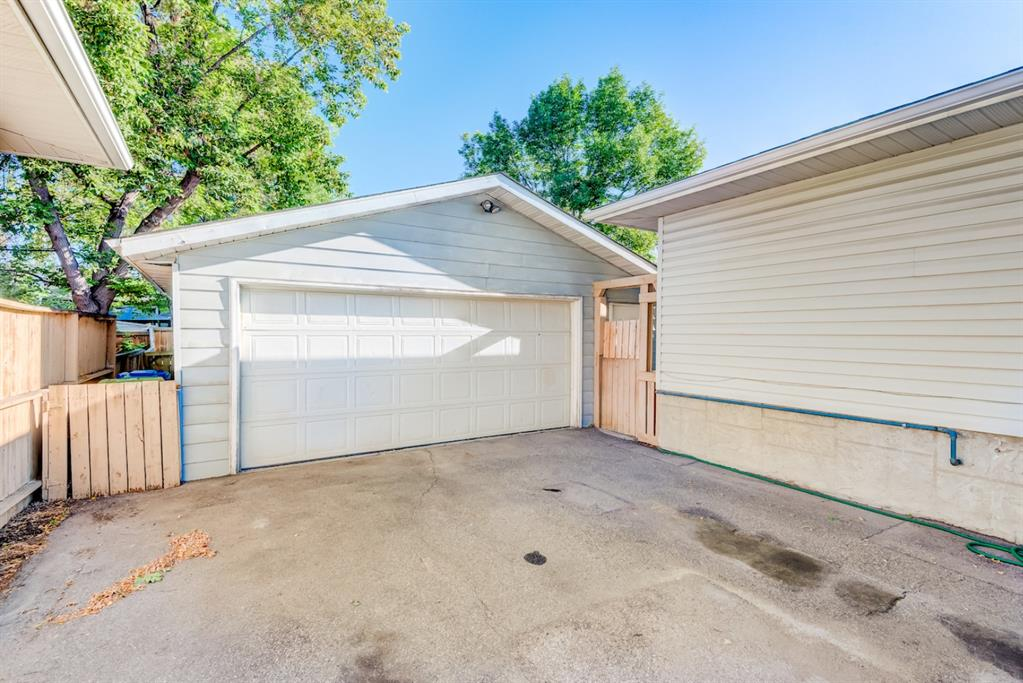 Listing A1134396 - Large Photo # 25