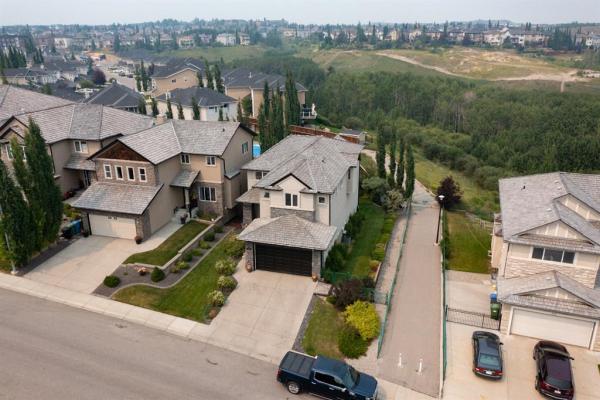 106 Royal Ridge Mount NW, Calgary