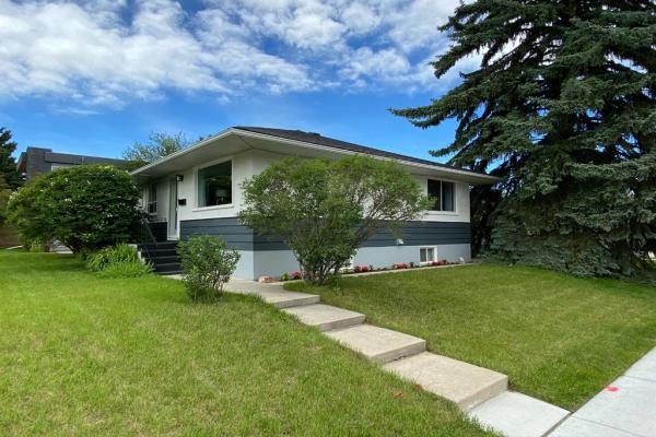 1504 21A Street NW, Calgary
