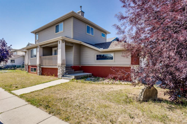 87 Silver Creek Boulevard NW, Airdrie