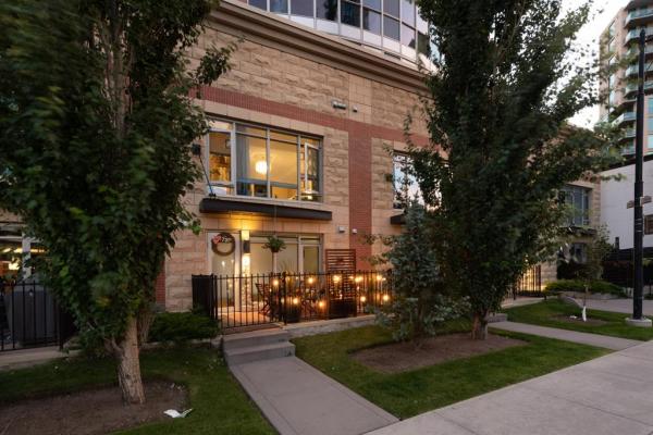 731 2 Avenue SW, Calgary