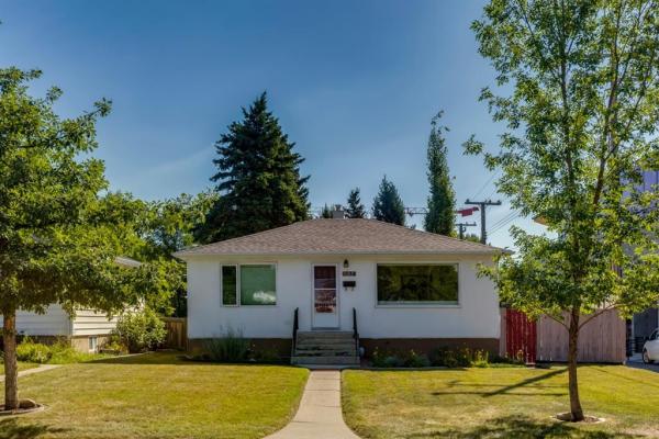 1734 31 Street SW, Calgary