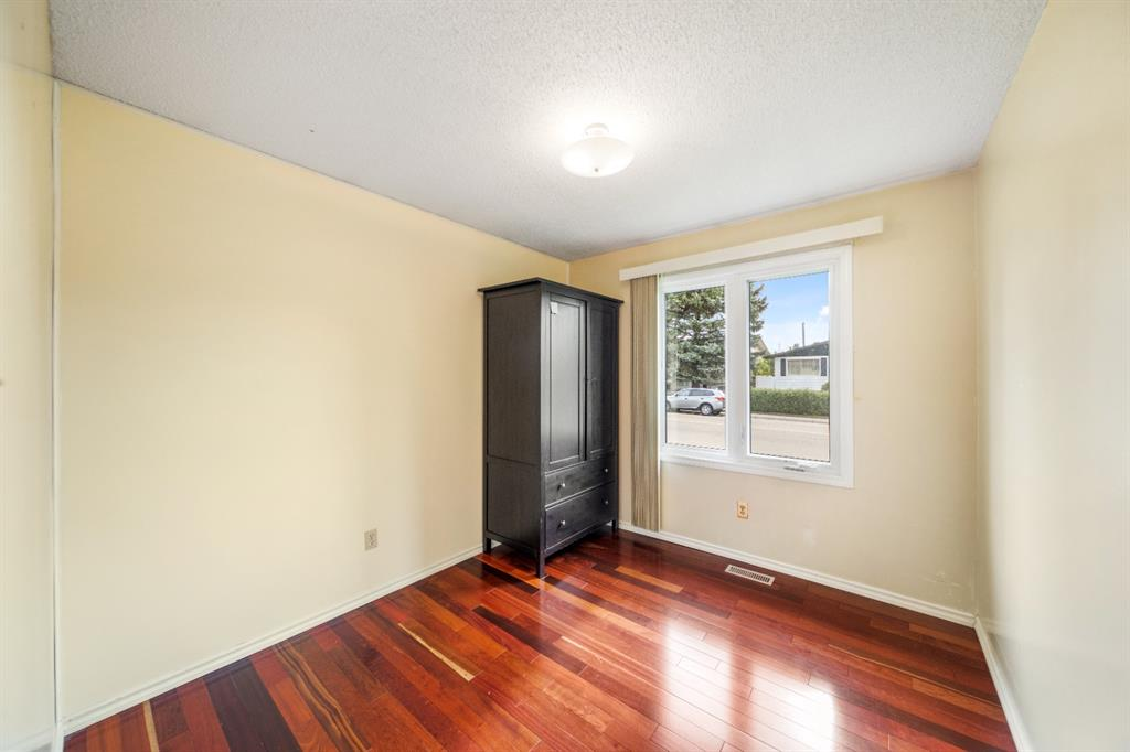 Listing A1141061 - Large Photo # 13