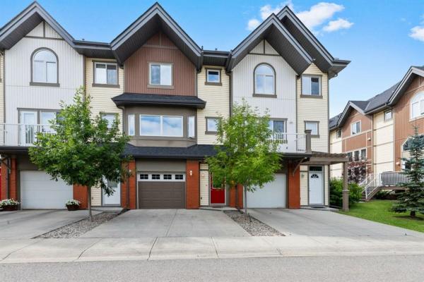 806 Wentworth Villas SW, Calgary
