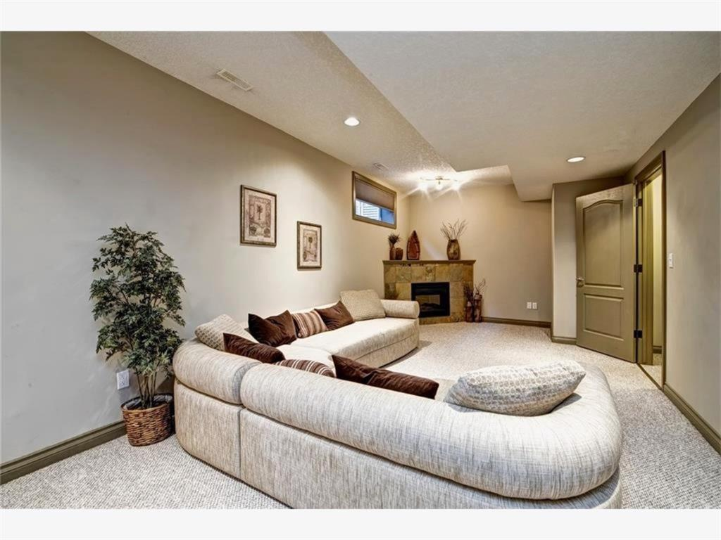 Listing A1143937 - Large Photo # 28