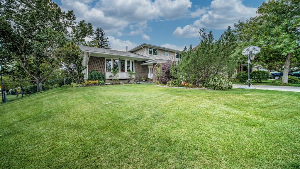 Listing A1143943 - Large Photo # 2