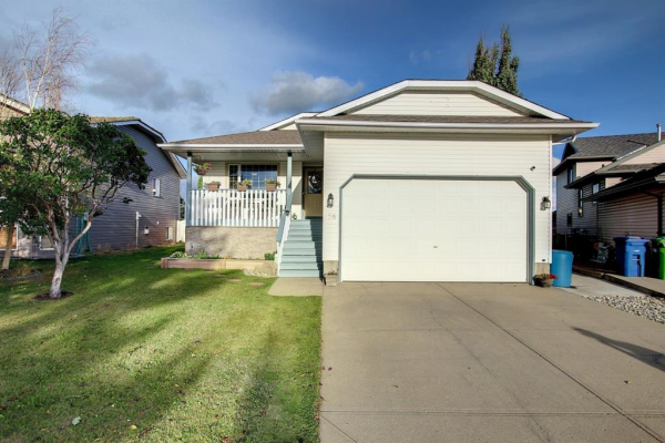 56 Woodside Road NW, Airdrie