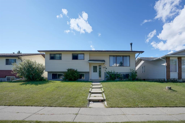 3211 60 Street NE, Calgary