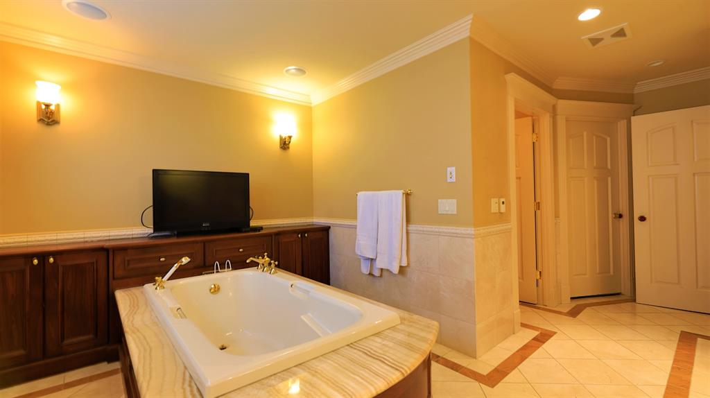 Listing A1145910 - Large Photo # 46