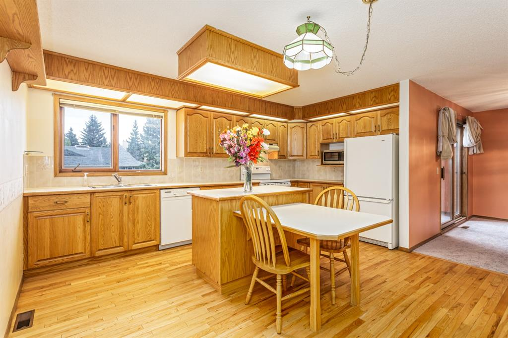 Listing A1146818 - Large Photo # 12
