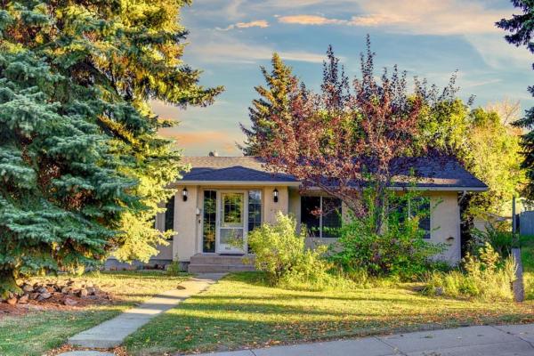 239 Parkridge Hill SE, Calgary