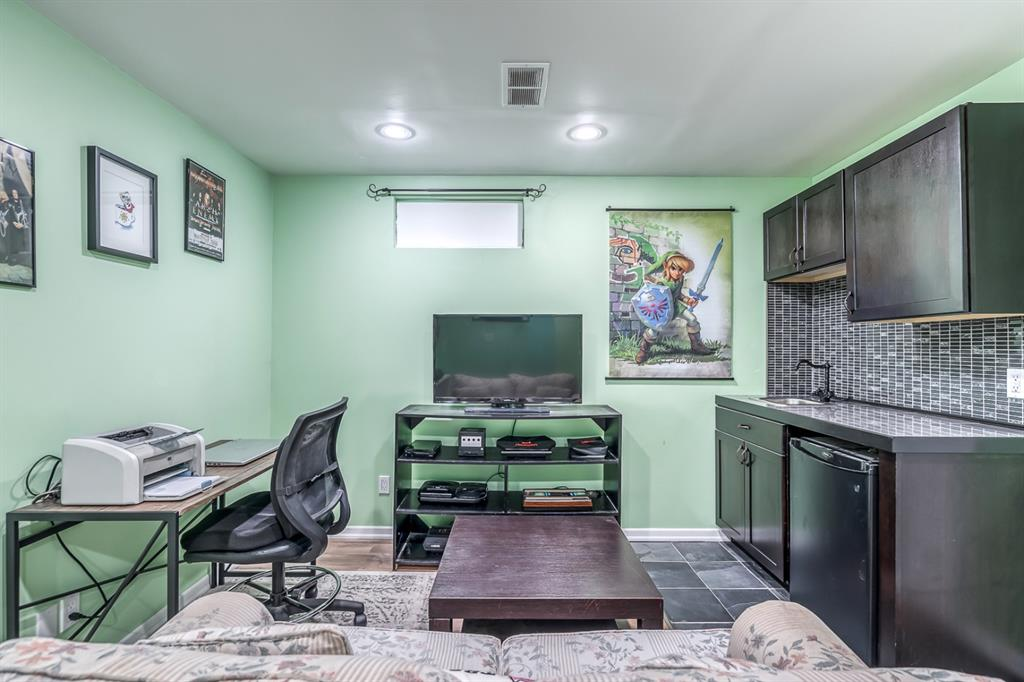 Listing A1147616 - Large Photo # 17