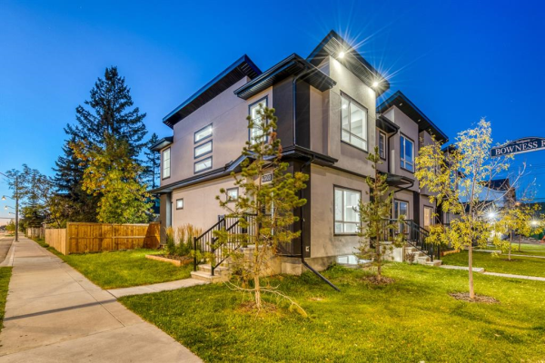 4302 Bowness Road NW, Calgary