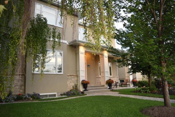 2832 25A Street SW, Calgary