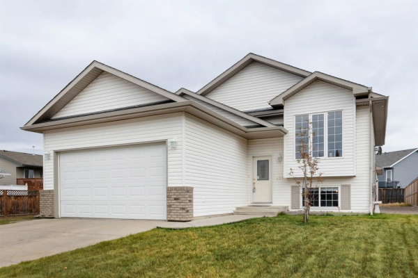 430 Carriage Lane Crossing, Carstairs