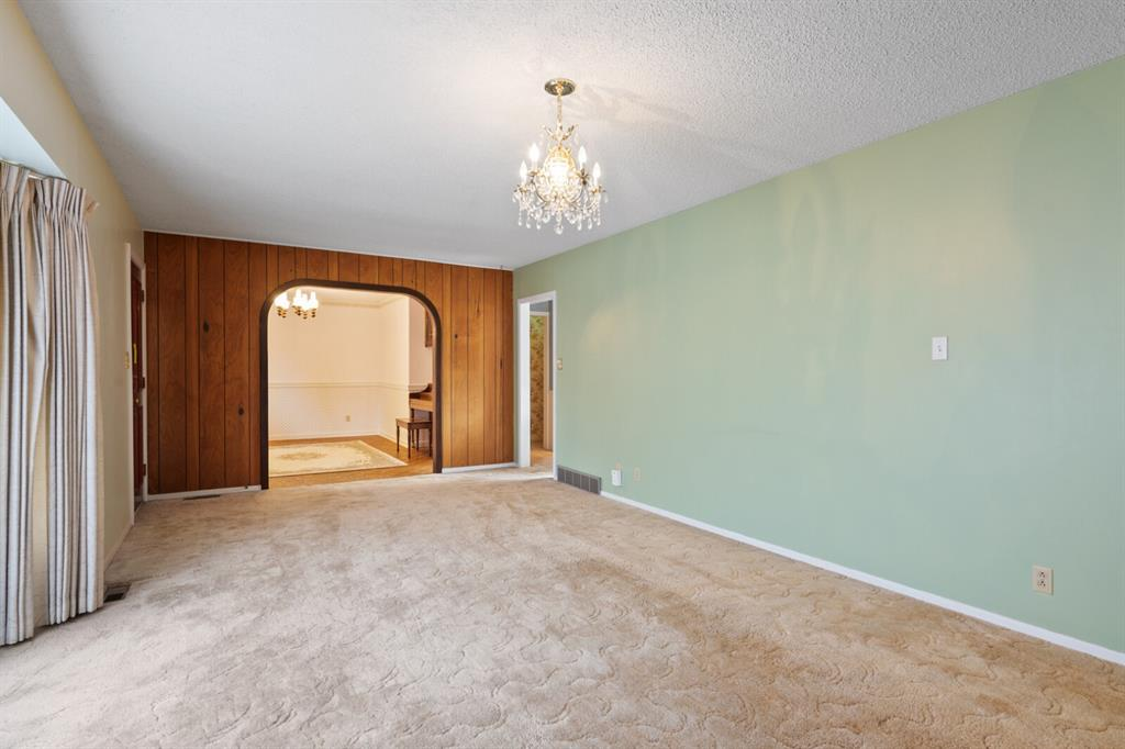 Listing A1151922 - Large Photo # 3