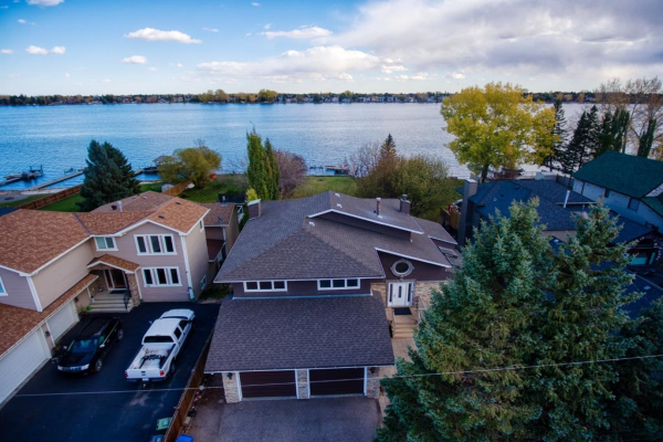 708 West Chestermere Drive, Chestermere