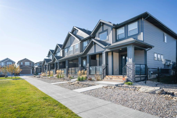 1120 Midtown SW, Airdrie