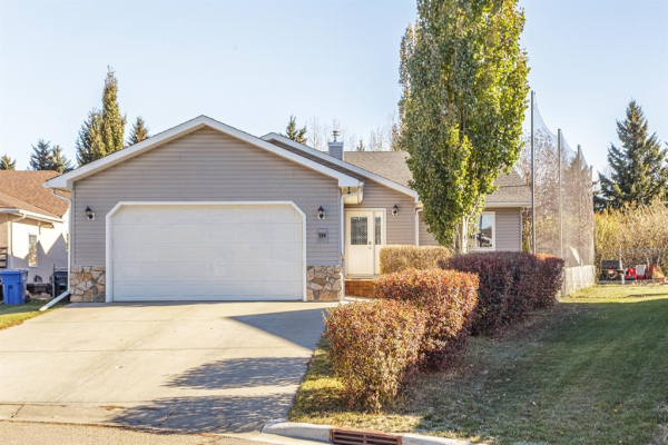 724 Stonehaven Drive, Carstairs