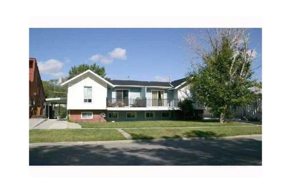 220 50 Avenue, Claresholm