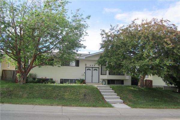 608 71 Avenue NW, Calgary
