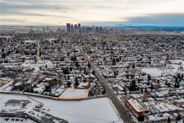 415 31 AV NE, Calgary