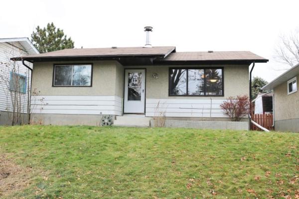 3257 32A AV SE, Calgary