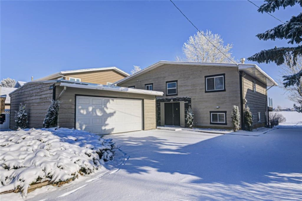 316 WEST CHESTERMERE DR , Chestermere
