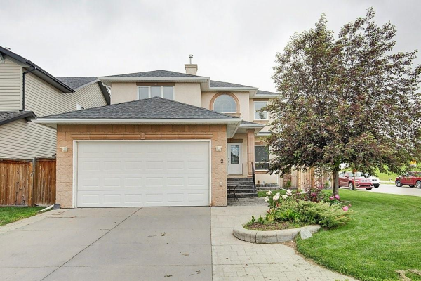 2 ROYAL BIRKDALE CR NW, Calgary