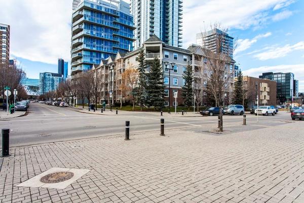#214 630 8 AV SE, Calgary