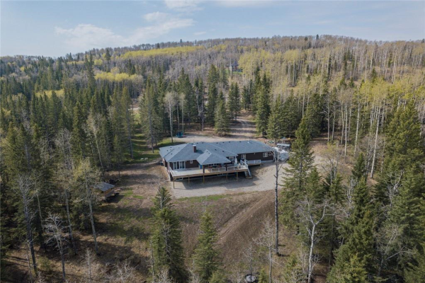 8 29130 Rge Rd 52  , Rural Mountain View County