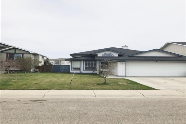 12 WILLOWBROOK CR NW, Airdrie