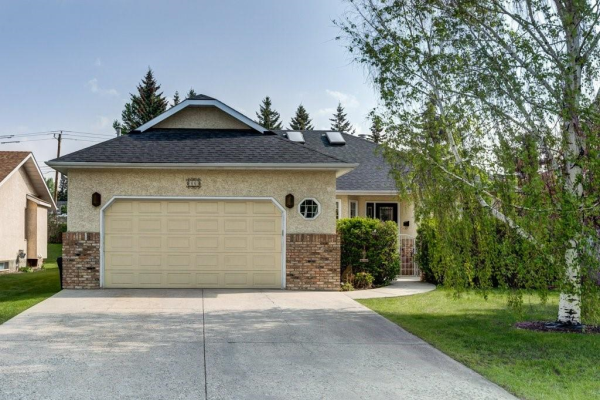46 VARSITY ESTATES CL NW, Calgary