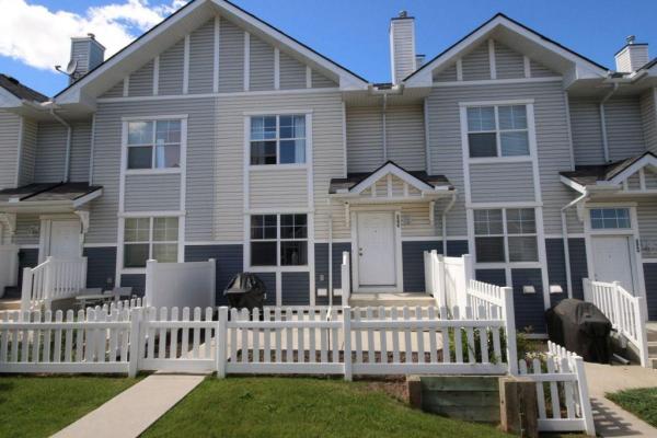3238 New Brighton GD SE, Calgary