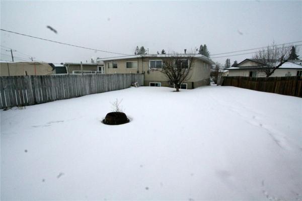 203 PENBROOKE CL SE, Calgary