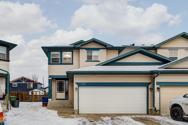 123 CANOE SQ SW, Airdrie
