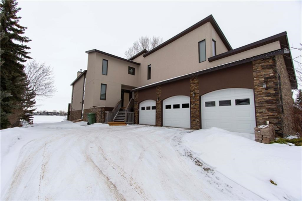 784 WEST CHESTERMERE DR , Chestermere