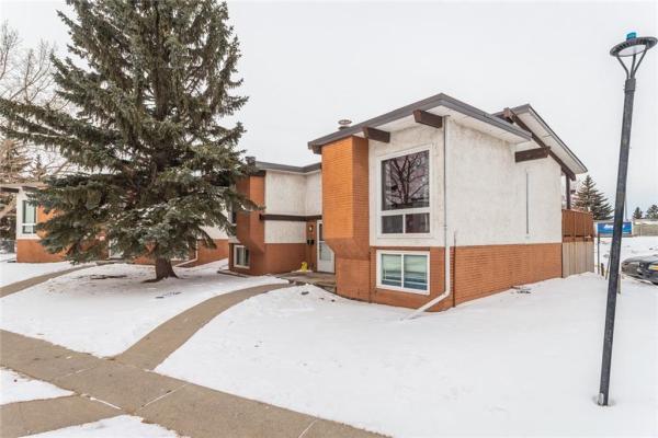 408 PINEMONT GA NE, Calgary