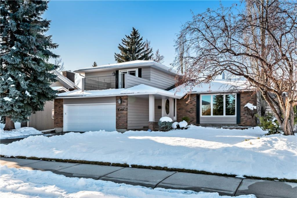 1088 LAKE PLACID DR SE, Calgary