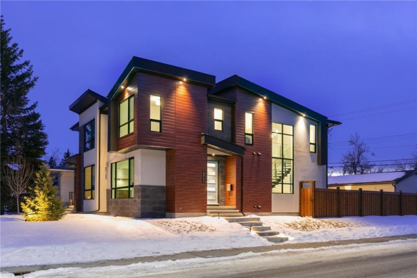 3711 28 AV SW, Calgary