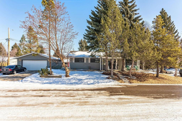 60 SILVER BROOK DR NW, Calgary