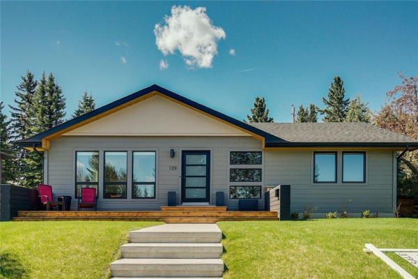 139 Wildwood DR SW, Calgary