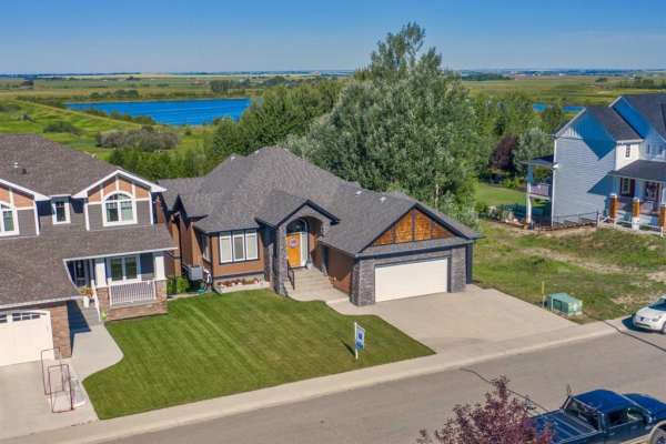 1053 HILLCREST MANOR Estates, Strathmore