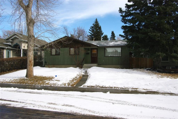 3340 CARIBOU DR NW, Calgary
